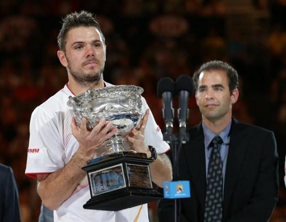 Wawrinka wins 1st major title with Australian Open victory against injured Rafael Nadal