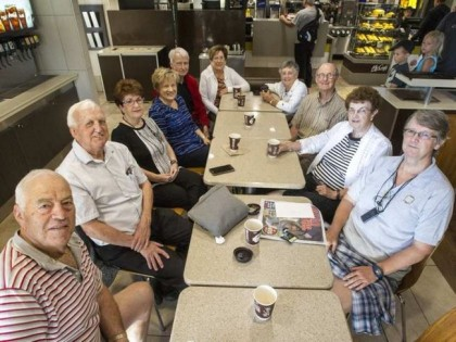 'Ottawa' Coffee and lies: Seniors' breakfast Club Keeps on the Sunny Side